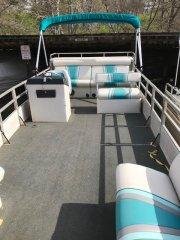 Pre-Owned 1989  powered Power Boat for sale